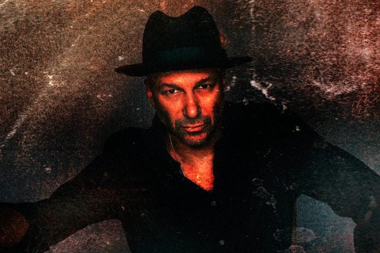 "Tom Morello publica un nuevo EP titulado ""Comandante"""