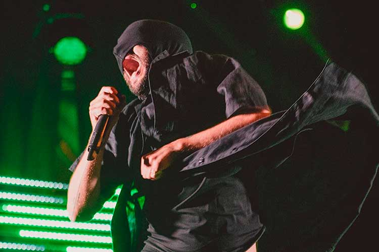 """""""Entrar a vivir"""", el espectáculo en solitario de Adriano Galante (Seward)"""