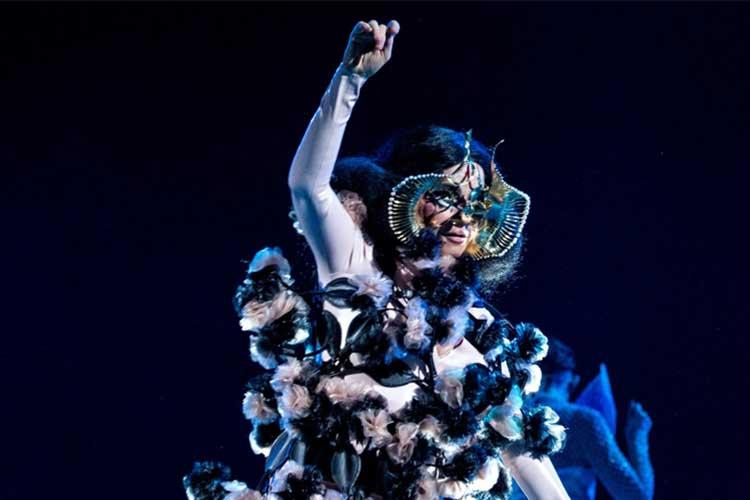 Los conciertos orquestales de Björk se celebrarán en abril y mayo