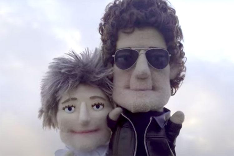 Liz Phair convierte en marionetas a Lou Reed y Laurie Anderson