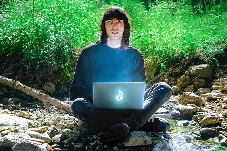 """""""Necesitaba encontrar mi propia identidad como artista dentro de PC Music»"""