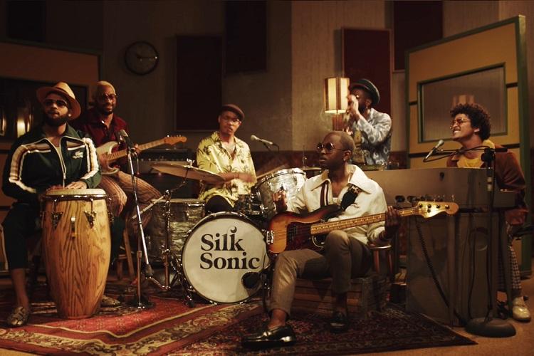 Silk Sonic (Bruno Mars y Anderson .Paak) ya tienen primer single