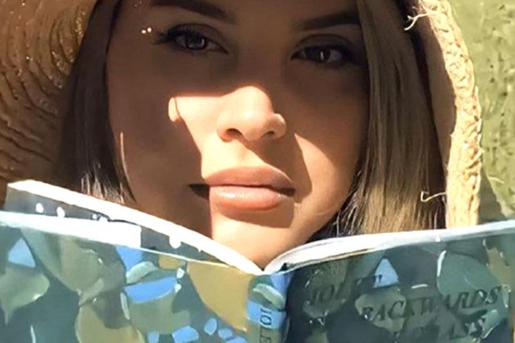 """Lana del Rey anuncia otro disco más, """"Blue Banisters"""", para julio"""