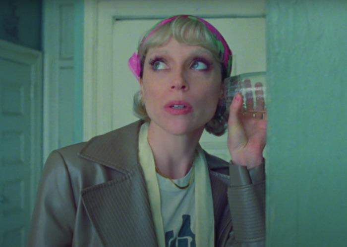 """St. Vincent presenta el videoclip de su nueva canción """"Down"""""""