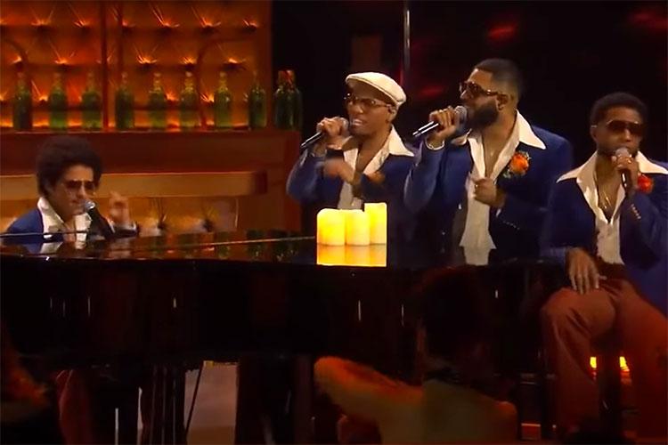 Silk Sonic (Bruno Mars y Anderson .Paak) debutan en directo