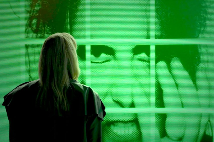"Escucha ""How Not To Drown"" de Chvrches con Robert Smith (The Cure)"