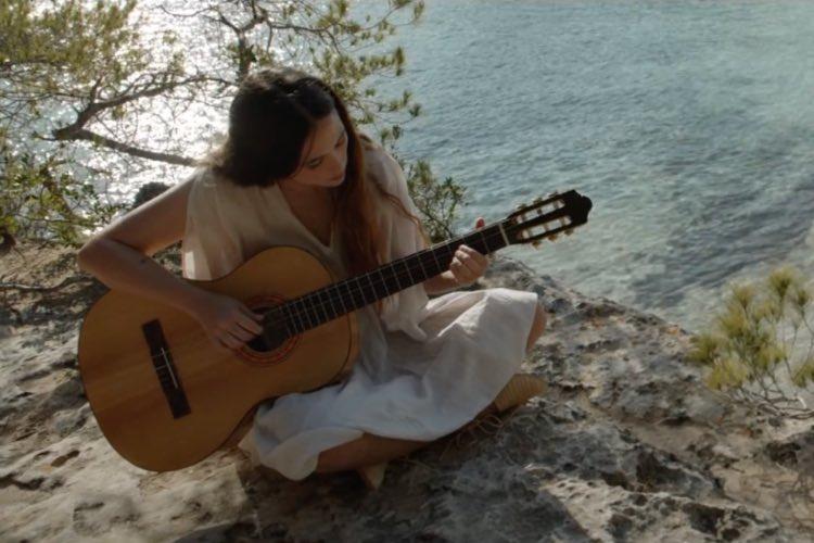 Rigoberta Bandini pone banda sonora a una campaña veraniega