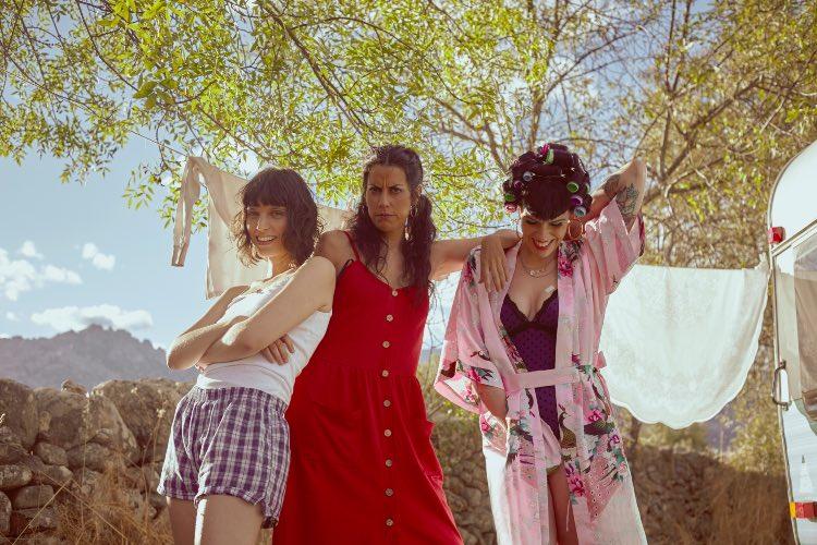 """Estrenamos """"Sola y feliz"""", nuevo single y videoclip de Tiburona"""