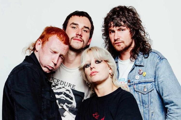 Amyl And The Sniffers anuncian concierto en streaming
