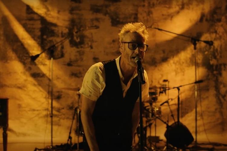 Matt Berninger (The National) versiona a The Velvet Underground