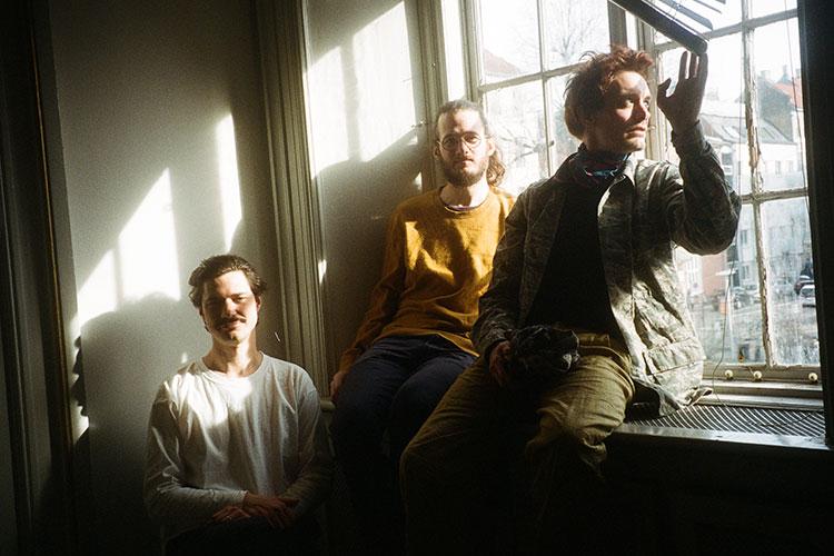 """Efterklang presentan su nuevo sencillo """"Hold Me Close When You Can"""""""