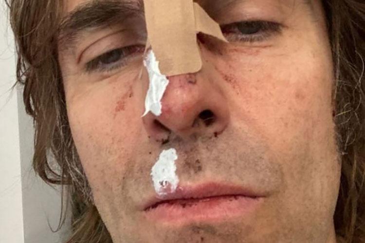 Liam Gallagher se supera a si mismo al caer desde un helicóptero