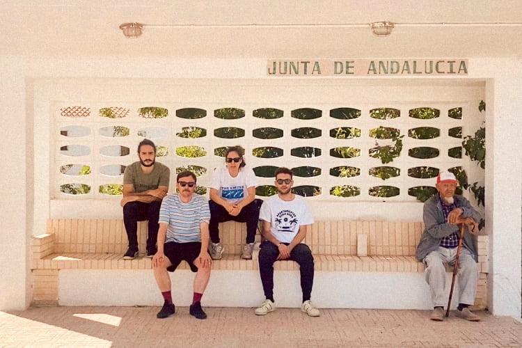 """Apartamentos Acapulco estrenan el nuevo sencillo """"Vámonos de viaje"""""""