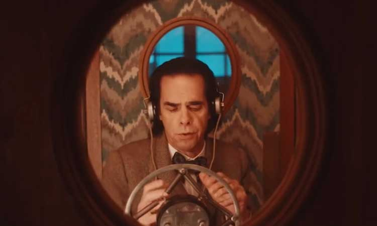 """Nick Cave encarna a H. G. Wells en """"The Electrical Life Of Louis Wain"""""""